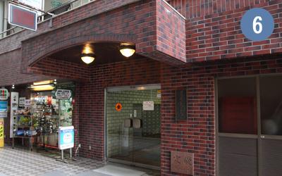 6.調布オリエントマンション・入口